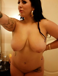 Big titty chubby ex-girlfriend takes selfies in the bathroom mirror