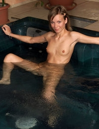 Hot Tub Fistin featuring Allison & Nella by Als Photographer