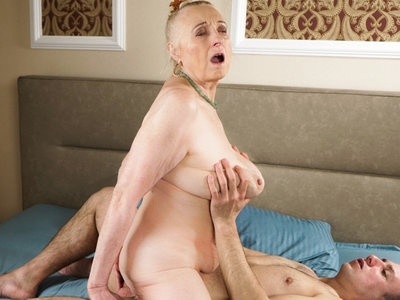 Lusty granny Sila wants a young dick in her vintage pussy!