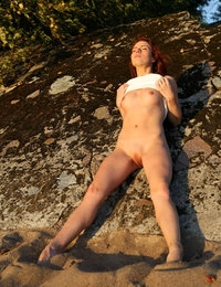 Renata likes to show off her sexy natural forms in outdoor