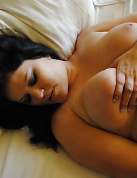 Chubby girlfriend gets naked and plays with her wet pussy as her boyfriend takes pictures for us